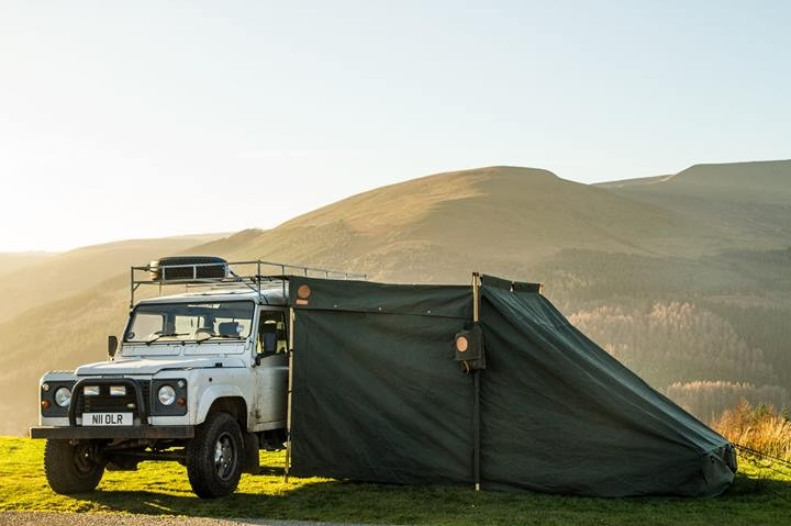 Landrover Tent attached closed
