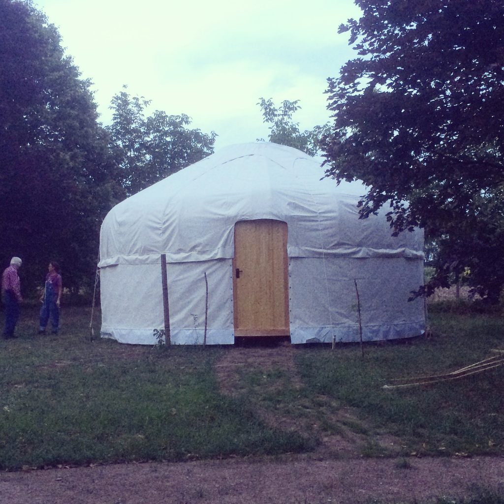 White bentroof yurt - featured