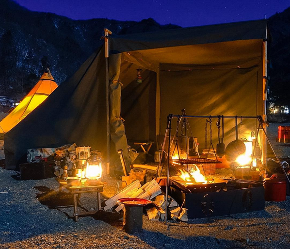 Landrover Tent Camp Night